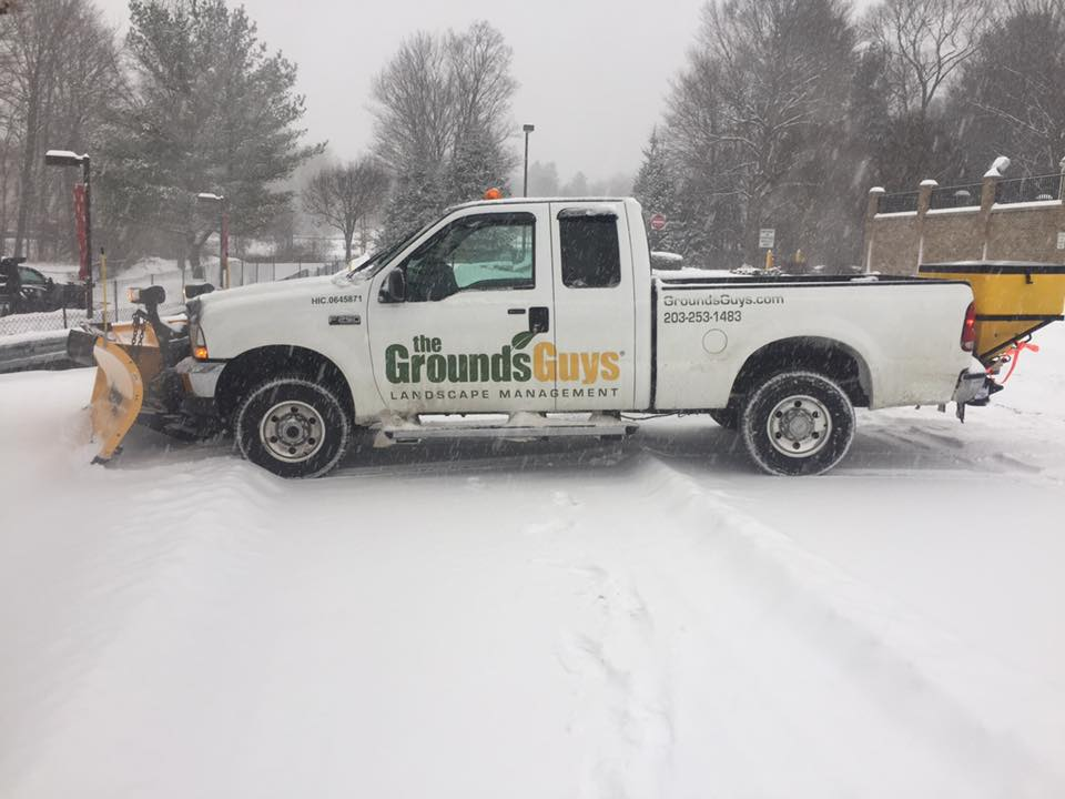 commercial snow plowing brookfield ct